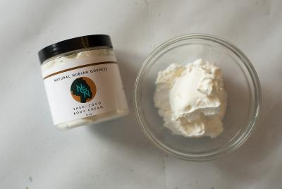Quality Ingredients: Organic cocoa butter, Organic coconut oil, Vitamin E, Organic white willow bark extract. This product is vegan, no added parabens, no added phthalates, no added gluten.