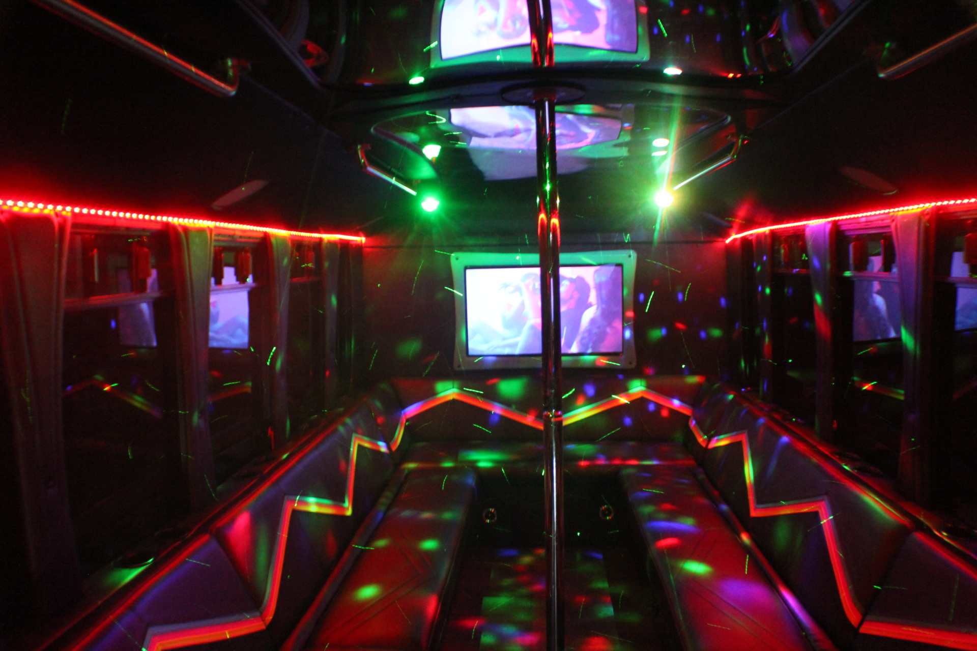 WOW PARTY BUS